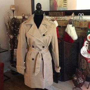 **GAP**Lined Trench Coat